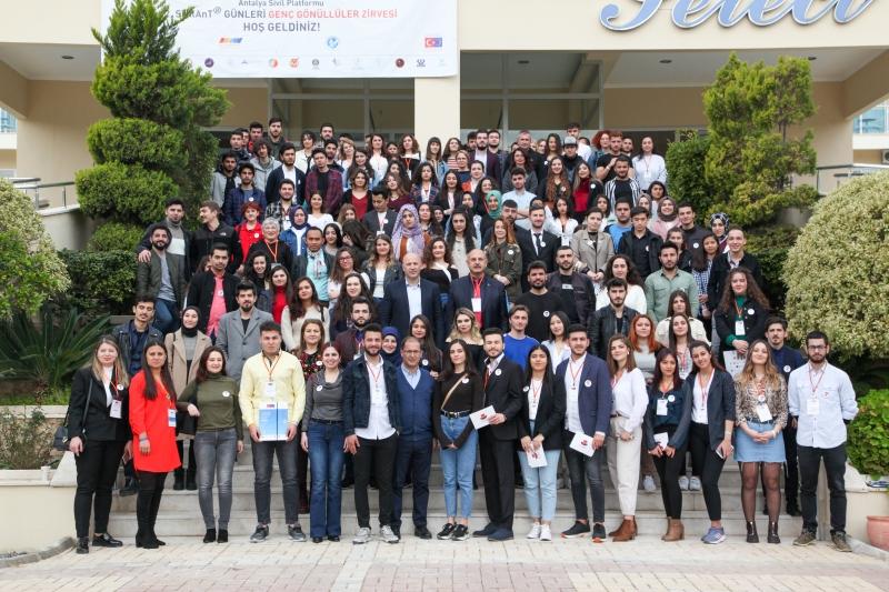 Gençler, STK'lılar, Akademik Camia ve Kamu kurumları Antalya Sivil Platformu - SivilAnT Çatısı Altında Buluştu.